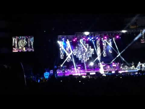 Sonu Nigam applauds for NJ, Klose to You concert 2016