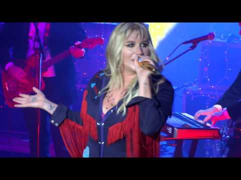 Kesha  - TiK ToK  (Live @ University of Minnesota Homecoming 2016)