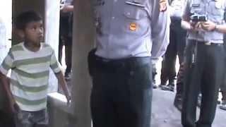 Indonesian Police shutting down Ahmadiyya Mosque in Tasikmalaya, West Java