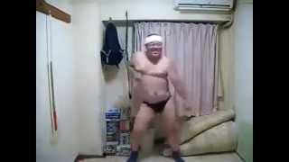 رجل سمين يرقص رح تموت من الغيرة
