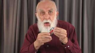 James Randi Speaks: The Compass Trick