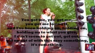 "Medina - ""Close to Nothing"" (Lyrics)"