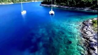 Luxury catamaran yacht for sale @ 1uk.com