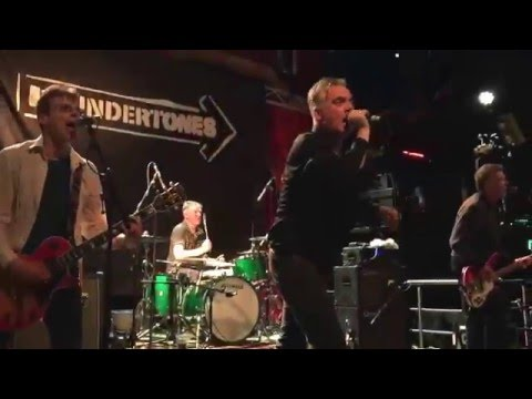 The Undertones - Teenage Kicks (live in Dublin - May 2016)