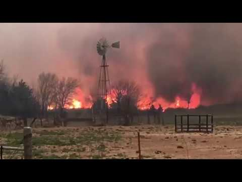 RAW FOOTAGE OF NORTHWEST OKLAHOMA WILDFIRE IN SEILING, OKLAHOMA!!!!! *MUST SEE TO BELIEVE!!!!!*