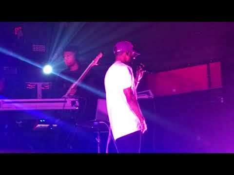 6lack - Alone (Live at Revolution Live in Fort Lauderdale on 11/28/2017)