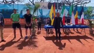 بالفيديو.. يوسف ريحان يرفع النشيد الوطني في سماء فرنسا