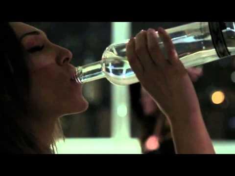 Woman Smoking Mutliple Cigarettes. Smoking fetishKaynak: YouTube · Süre: 54 saniye