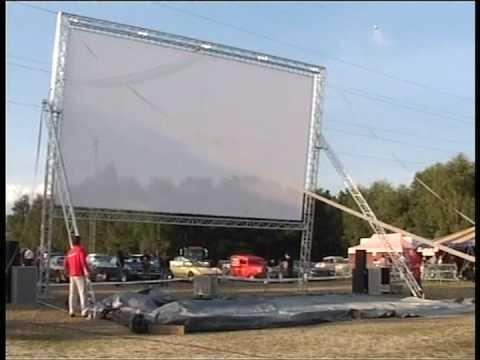 Mobiloscoop in actie tijdens een drive in bioscoop youtube for Drive in bioscoop