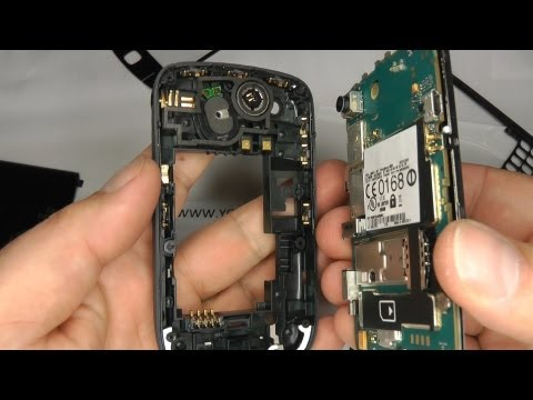 Blackberry Curve 8520 Screen Repair / Replace / Change a Broken LCD