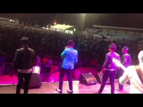 Theo Kgosinkwe ukhona  live
