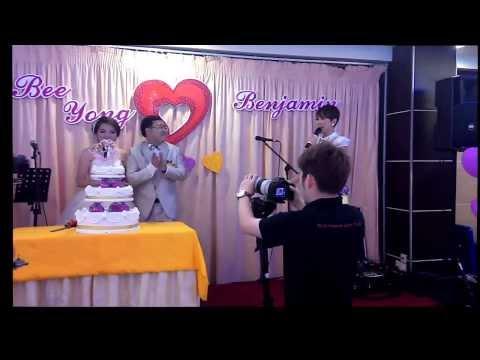 professional-wedding-emcee:-mc-jo-having-fun-with-the-newlyweds