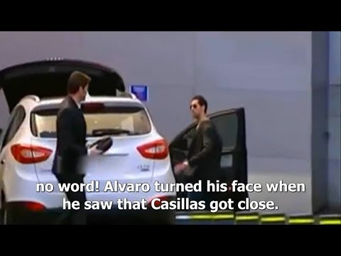 Iker Casillas and Arbeloa don't greet one another and they don't even talk (English Sub)
