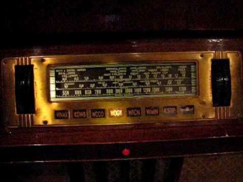 Philco 39-116RX Console Radio with Mystery Control
