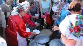 Давка за бесплатной кашей на празднике Выль , Ижевск, 2 августа