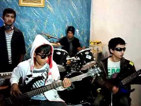 band indie [KARIMUNIE] slalu disisiku