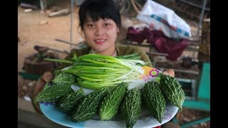 Cooking skills | bitter melon stuffed with meat - primitive life | survival skills. HT