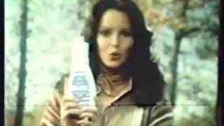 Jaclyn Smith 1977 Woolite Commercial thumbnail