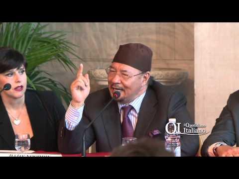 Fc Bari, Datò Noordin Ahmad si presenta: bagno di folla alla ex Provincia