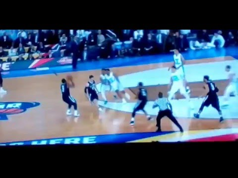 Kris Jenkins and Marcus Paige Crazy shots Villanova vs North Carolina