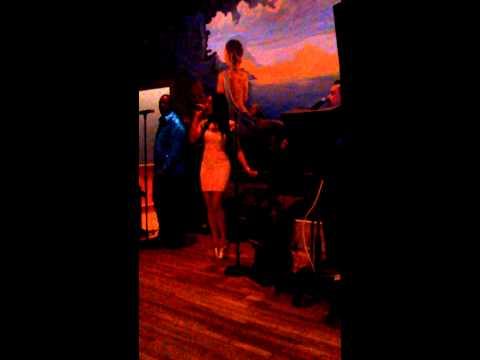 Breana Boogie Oogie live at Venus de Milo