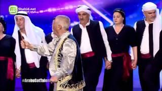 شاهد...بكاء نجوى كرم بسبب ظهور فرقة لبنانية على المسرح