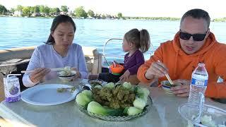 """Vlog 1030 ll Chồng Mê Mẫn Món """" Gà Kho Sả Nghệ Nước Cốt Dừa """" Trên Dòng Sông Tan Băng"""