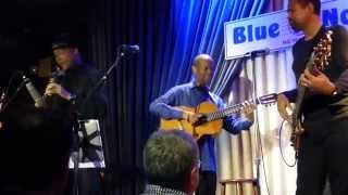 Earl Klugh - Living Inside Your Love - The Blue Note, NYC - August 12, 2014