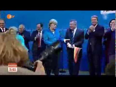 Merkel Wirft Deutschlandfahne Weg