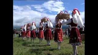 The magic of Bulgarian voices & music - trio Bulgarka malai dona