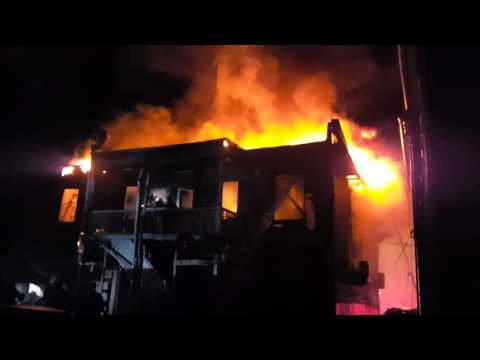 Garfield Nj Fire Department Heavily Involved House Fire W Audio Summit Ave 11 29 17 Youtube