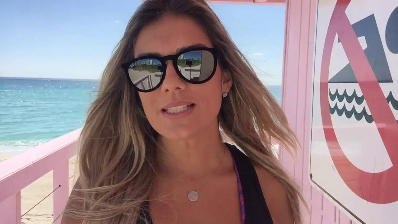 Enjoy Miami  Joyce Torres Visita Praia De Nudismo Em -6733