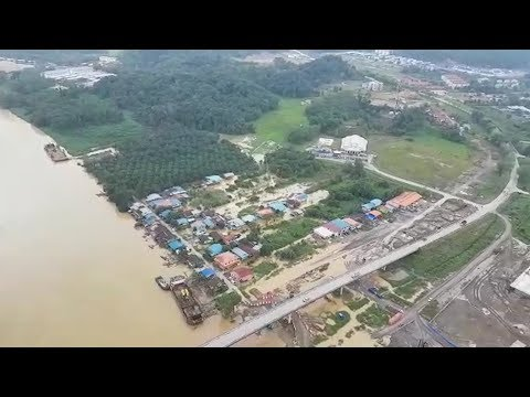 14 tonnes of food aid airlifted into flood-hit areas of Sarawak