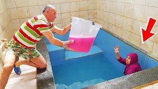 Slime PRANK! İn The Pool Terrible JOKE & Kocaman Kova Dolusu Slime Kerem Kafasına Çaktık