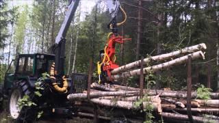 Naarva E24 energy wood head loading trees - E24-energiakouralla kuormaus(, 2015-05-28T10:58:32.000Z)