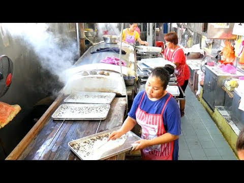 HUGE MALAYSIAN STREET FOOD TOUR- Blow your mind LOCAL dishes in PERAK, MALAYSIA