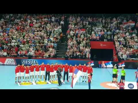 Himna Hrvatske u Spaladiumu i žalosno zviždanje na himnu Srbije