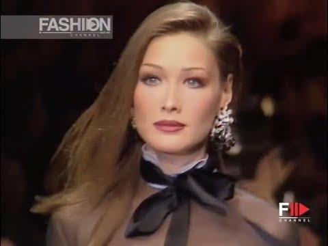 VALENTINO Fall Winter 1992 1993 Paris – Fashion Channel