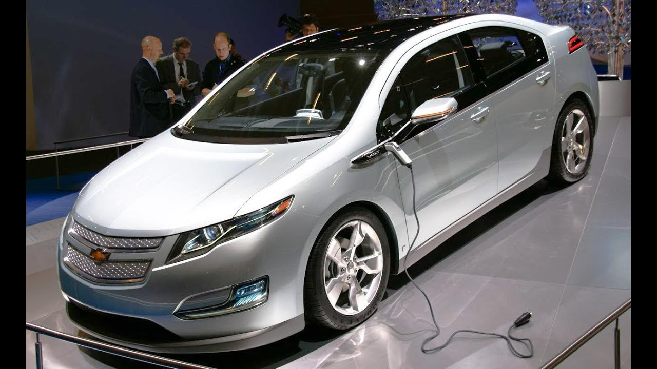 2017 Chevrolet Volt Car And Driver