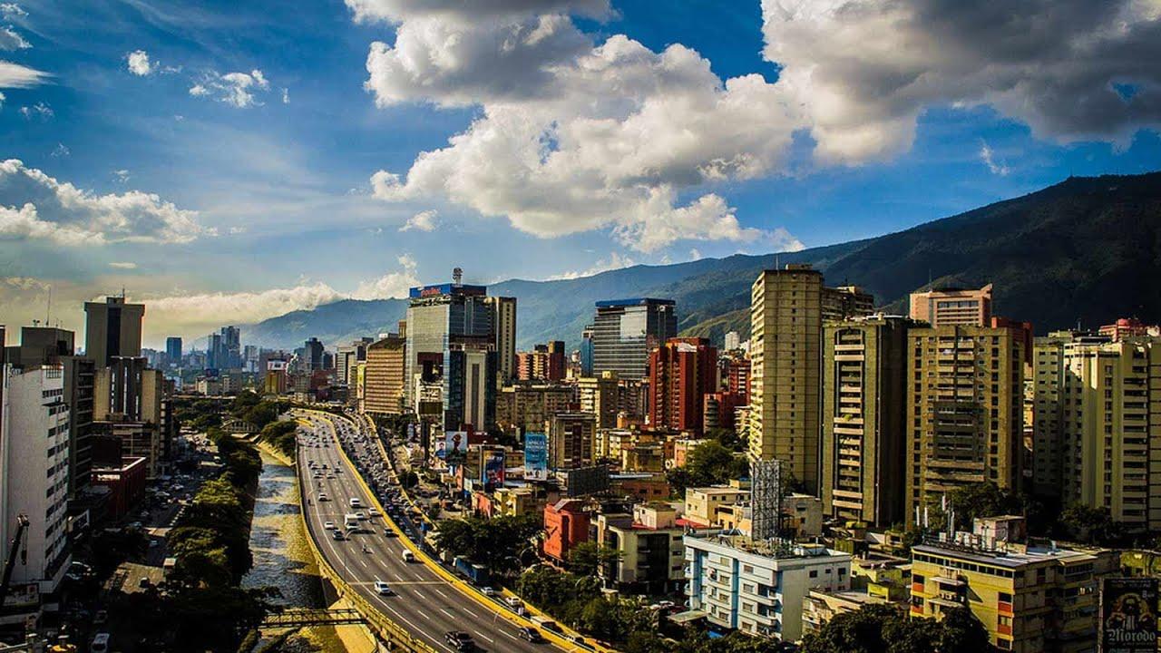 Venezuela oficialmente denominada República Bolivariana de Venezuela 7 n 1 es un país de América situado en la parte septentrional de América del Sur