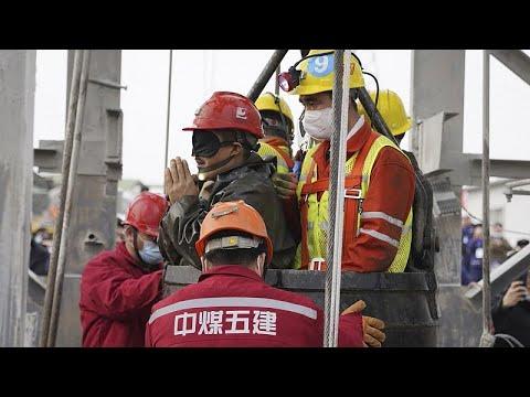 شاهد: إنقاذ 11 عاملاً صينياً علقوا في منجم لاستخراج الذهب لمدة أسبوعين…  - 12:59-2021 / 1 / 25