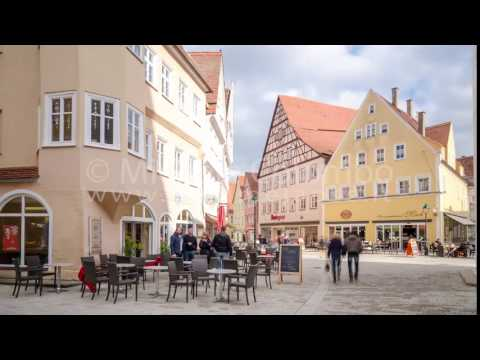 0052 - time lapse - people in the town centre in Nordlingen - 4K