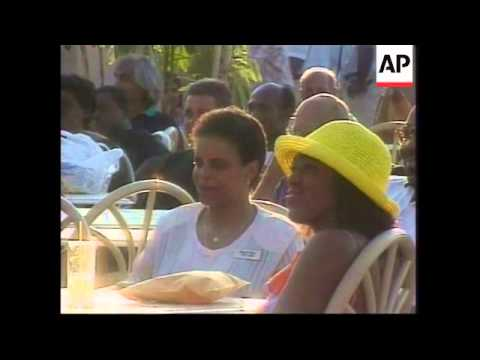 CUBA: GOVERNMENT TO PURGE TOURIST INDUSTRY
