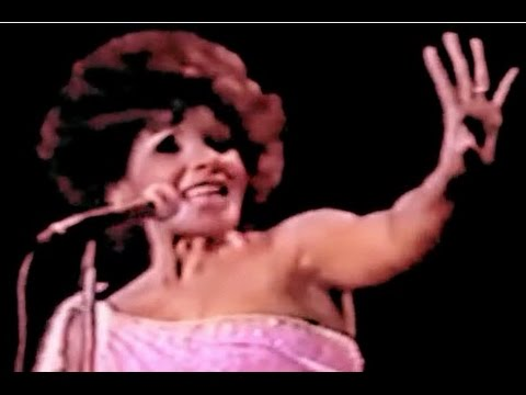 Shirley Bassey - Diamonds Are Forever (1976 Live in Melbourne - Song 5)