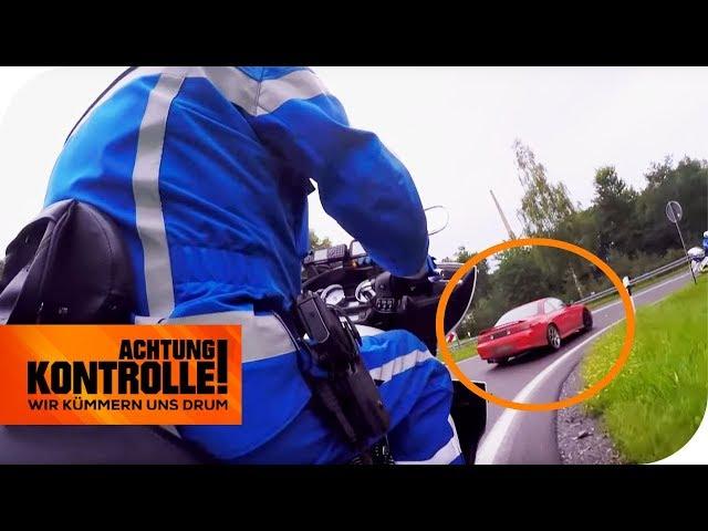 Polizei-Motorradstaffel zieht Tuning-Nissan aus dem Verkehr! Zu laut?   Achtung Kontrolle