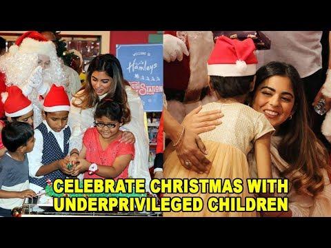Isha Ambani Daughter Of Mukesh Ambani Celebrate Christmas With Underprivileged Children At Hamley's