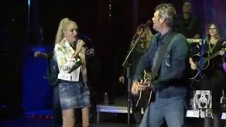 Blake Shelton & Gwen Stefani -- ''Go Ahead And Break My Heart'', September 30, 2017 Video