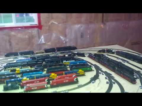 Mth trains cleaning track ho