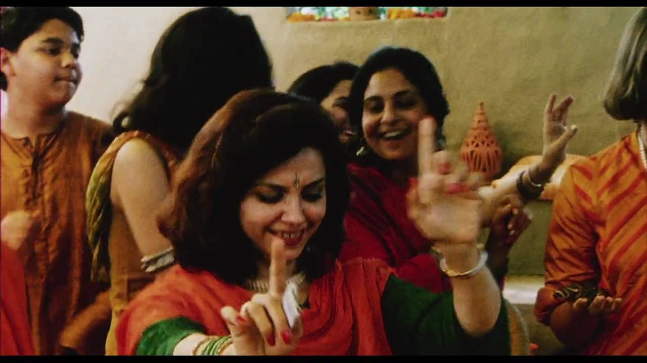 monsoon wedding film analysis The past three films reviewed all had different styles of narration casablanca featured the conventional hollywood film narrative style while daughters of the dust and monsoon wedding featured two different alternative narration styles.