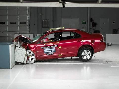 2006 Ford Fusion Moderate Overlap Iihs Crash Test
